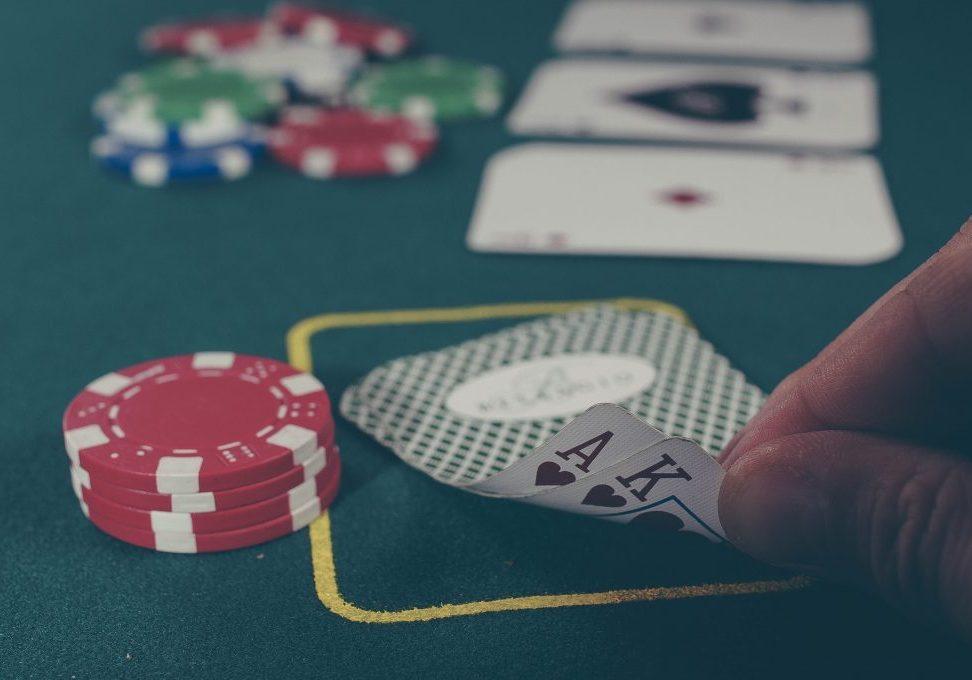 Muss die Bankroll versteuert werden oder führt erst der Cashout auf das Pokerkonto zur Steuerbarkeit.